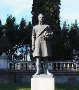 Statue of Russian-Armenian Prince Abamelek-Lazarev