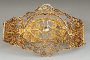 Armenian female Bracelet. 19th century, Van, Armenian Museum of France