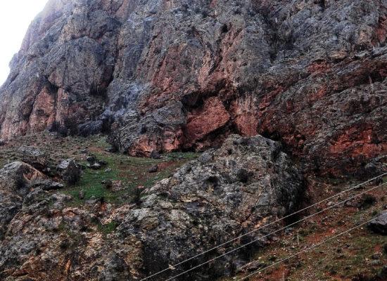 Rocks. Near Noravank