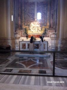 The-Pietà,-Michelangelo