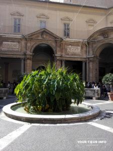 Cortile Ottagono, Musei Vaticani