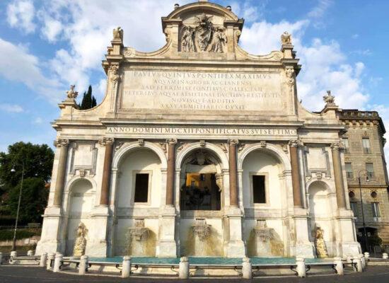 Fontana dell'Acqua Paola, Aqua Paola Fountain, 1612. Architect - Giovanni Fontana, 00153 Via Garibaldi.