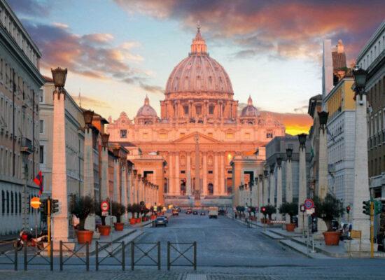 Embassy of the Republic of Armenia in the Vatican (on the left), Via Della Conciliazione 3.