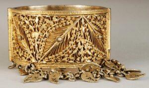 Armenian female Bracelet, 19th century. Armenian Museum of France.
