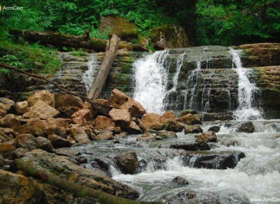 Waterfall, Lastiver