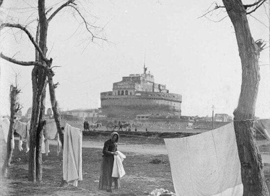 Laundry near Castel Sant'Angelo,1800.
