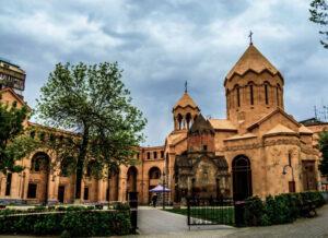 Saint Anna Church and Katoghike Holy Mother of God Church (1264), 17 Abovyan St.