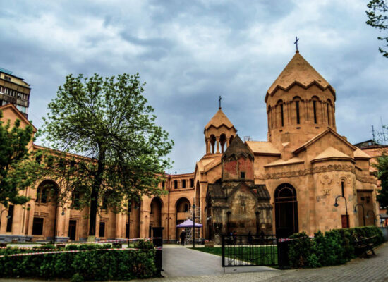 Saint Anna Church and Katoghike Holy Mother of God Church (1264), 17 Abovyan St.