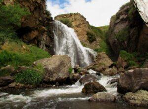 Trchkan Waterfall, 22.5 m, Lori Province