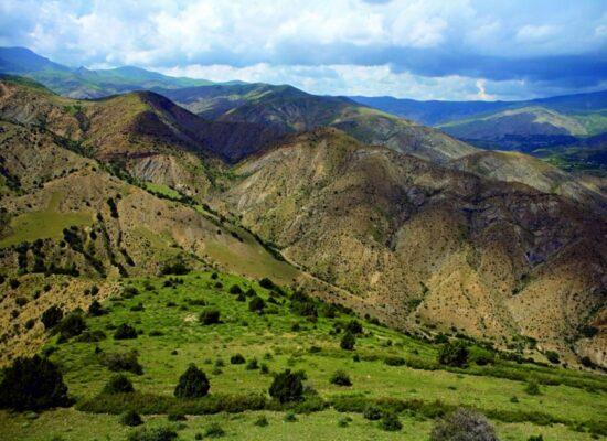 Tsaghkuni Mountain range or Tsaghkunyats Mountains, 2,851 m, Syunik Province
