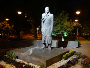 William Saroyan Statue. Armenian-American Novelist, Playwright. Awarded the Pulitzer Prize for Drama.