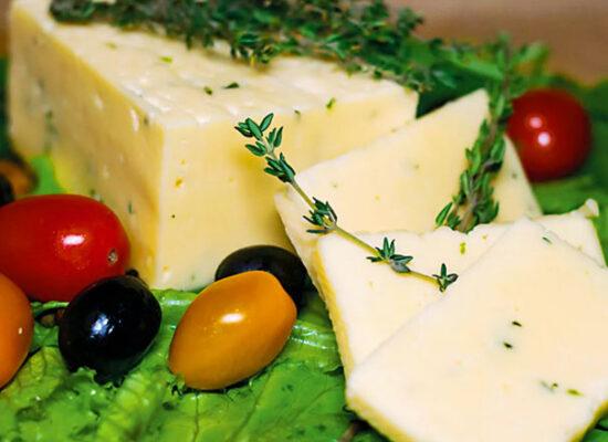 Cheese Lori with tarragon